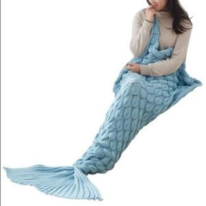 Mermaid Tail Blanket (light blue)🐬